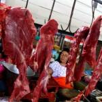 Penjualan daging anjlok 50%