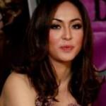 Ssstt Angelina Sondakh terlibat Cinlok dengan seornag penyidik KPK