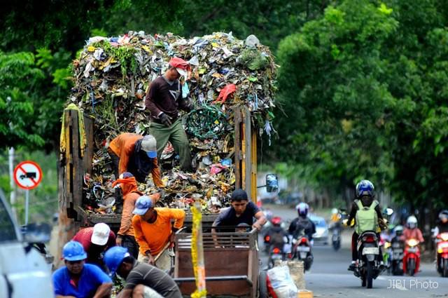 PENGELOLAAN SAMPAH SOLO : 13,39% Sampah di Solo Disumbang Plastik