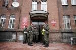 Jaksa Militer Polandia Tembak Diri Sendiri Saat Jumpa Pers
