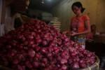 HARGA KEBUTUHAN POKOK : Jelang Ramadan, Bawang Merah Rp35.000/kg