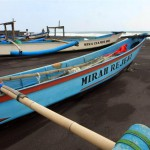 CUACA BURUK : Gelombang Tinggi, Nelayan
