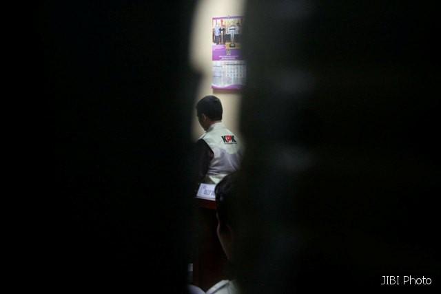 REVISI UU KPK : YLBHI Tuding DPR Coba Lindungi Koruptor
