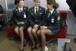 POLISI CANTIK: Demi Euro 2012, Polisi Bandara Ukraina pun Dipoles