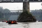 BUNUH DIRI KARANGANYAR : Jasad Warga Ciamis yang Lompat dari Jembatan Jurug Ditemukan