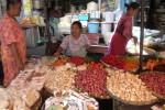 SEPI PEMBELI: Harga Kebutuhan Dapur di Sukoharjo Melejit