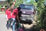 PEMBAGIAN SEMBAKO: SMAN 7 Solo Bagi Sembako dan Bersihkan Lingkungan