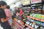 TOKO MODERN : Alfamart Tuding Penertiban Minimarket Surabaya Kurang Tepat