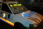 PERSEBAYA VS PERSIJA: Dihalau Polisi, Suporter Rusak Mobil Polisi