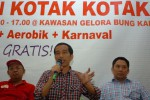 PILPRES 2014 : Kembali Pakai Kotak-Kotak, Jokowi Sebut Mirip Dude Herlino