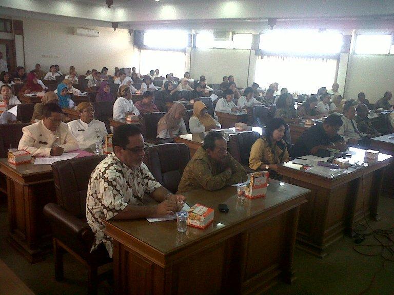TUNGGAKAN LISTRIK: 2012, Solo Tak Punya Tunggakan Listrik PJU