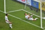 Gol Kontroversial Kembali Warnai Laga Inggris