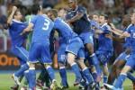 Ungguli Inggris, Italia Rayakan Kemenangan