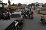 INFRASTRUKTUR TRANSPORTASI: Pembangunan Lambat, Kemacetan Jalur Transportasi Merata di Mana-mana