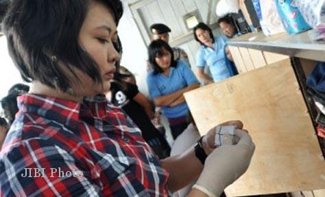 RAZIA: Petugas Amankan 11 Ponsel dari Tahanan Wanita Cirebon
