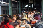 LEBARAN 2014 : Penumpang KA Meluber, Tiket Pesawat Diburu