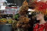 FASHION SHOW BATIK: Belajar Kostum di Pasar Tradisional
