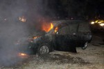 KECELAKAAN XENIA : Waspadalah Perjalanan Malam Hari! Daihatsu Xenia Ini Hangus Terbakar