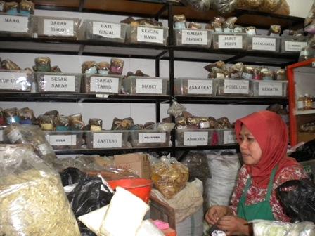Jamu Pelangsing Laris di Pasar Beringharjo