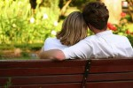 7 Tanda Anda Sedang Jatuh Cinta