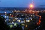 Jelang Pemangkasan Produksi OPEC & Rusia, Harga Minyak Anjlok