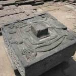 Benda Menyerupai Lingga-Yoni Ditemukan di Desa Pulutan