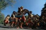 Jathilan lan Gangnam Style, Padha Cengkok Beda Nasib