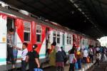 Per 1 Desember 2012, Bayi Juga Dikenakan Tiket Kereta