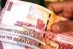 UMK 2014 : Demo Tuntut Revisi UMK, Buruh Bakar Boneka Ganjar