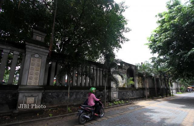 Demi Proyek Paving Block, Puluhan Pohon di City Walk Solo Ditebang
