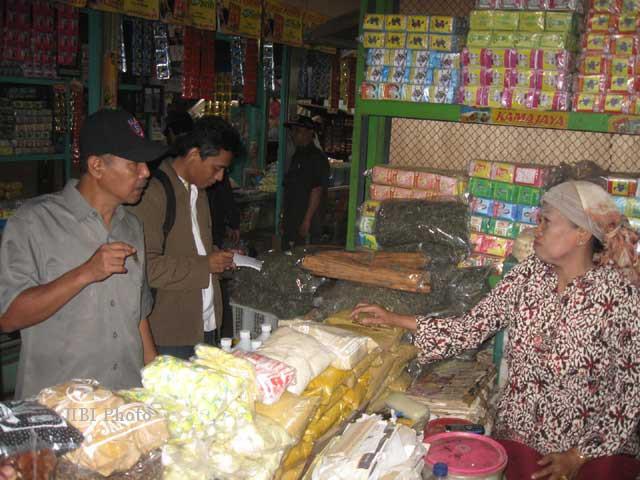 PASAR JAMU NGUTER : Pedagang Kompak Belum Bayar Biaya Balik Nama