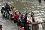 34.000 Warga Bantaran Ciliwung Positif  Digusur