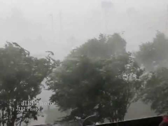 BENCANA KARANGANYAR : Atap Belasan Rumah Warga Karangpandan Rusak Tersapu Angin Kencang