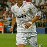 REAL MADRID 4-2 VILLARREAL : Benzema Bangga Samai Ronaldo