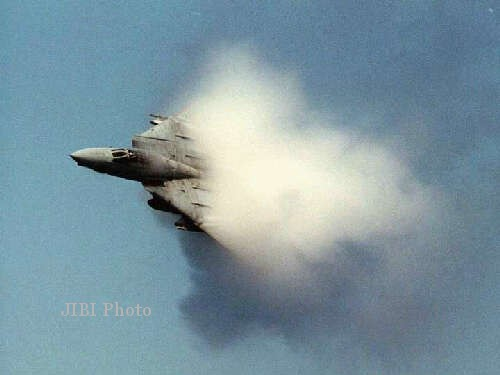 DENTUMAN KERAS : Ledakan Di Wonigiri Diduga Sonic Boom Pesawat Tempur