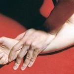 Lempar Kondom Sembarangan, Pasangan Ini Terciduk Mesum di Masjid