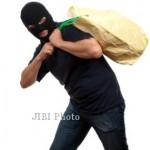 PENCURIAN SRAGEN : 2 Bulan Buron, Pencuri Uang dan Perhiasan Juragan Cabai Tertangkap