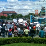 LAPAS SLEMAN DISERBU : Mahasiswa NTT Demo Di Bundaran UGM
