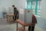 Ilustrasi warga mencoblos di dalam bilik suara saat pilkada. (Dok/JIBI/SOLOPOS)