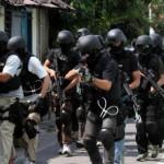 PENANGKAPAN TERORIS : Densus 88 Tangkap Terduga Teroris di Makamhaji