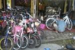Jelang Tahun Ajaran Baru, Pedagang Sepeda Buru Stok