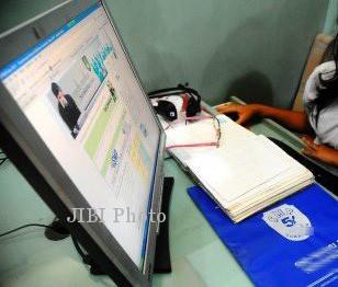 Ilustrasi mengakses internet (Dok/JIBI/SOLOPOS)