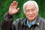 PRABOWO CAPRES : Prabowo Lontarkan Lagi Ide Soeharto Pahlawan Nasional