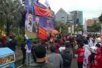 KENAIKAN HARGA BBM : Buruh Surabaya Beraksi di Tiga Lokasi
