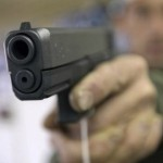 Polisi Selidiki Maksud Gatot Brajamusti Perlihatkan Pistolnya ke Elma Theana