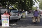 PKL JASA PENUKARAN UANG : Dinas Pasar Wacanakan Lokalisasi di Plasa Sriwedari
