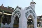 RAMADAN 2013 : Masjid Al Wustho Merana, Atapnya Berlubang
