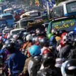 MUDIK 2016 : Truk Bersumbu 3 Sita Jalur Jalan Pemudik