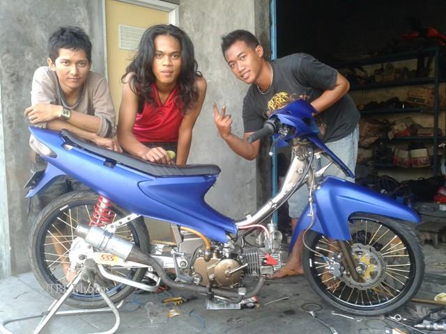 Modifikasi Sepeda Motor Suzuki Smash Tampil Egois