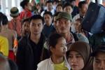 MUDIK LEBARAN 2013 : Arus Mudik Memuncak, Antrean Mengular di Merak-Bakauheni